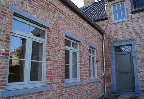 tuinhuis wit met grijze deuren referenties ramen deuren aluminium pvc