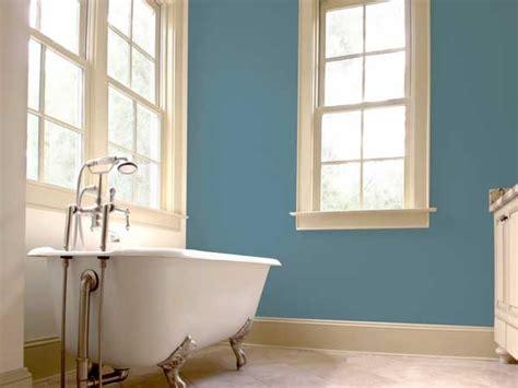 Incroyable Salle De Bain Couleur Tendance #1: peinture-gris-bleute-dans-une-salle-de-bain-deco-retro.jpg