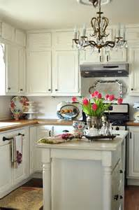 Small Cottage Kitchen Design Simple Small Cottage Kitchen For Home Designing Inspiration With Small Cottage Kitchen