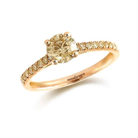 engagement ring brilliant cut gold