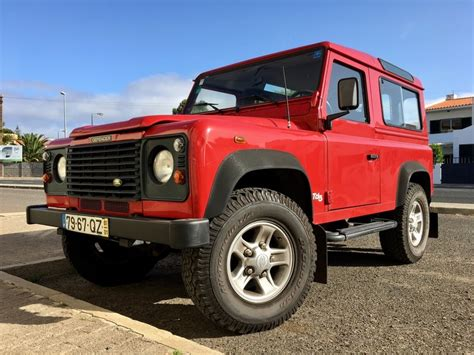 Revisiting The 90s Land Rover Defender