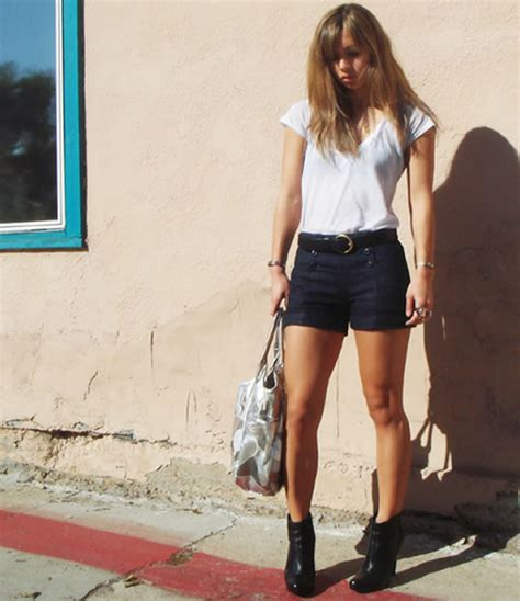 what to wear with high waisted shorts the best way to