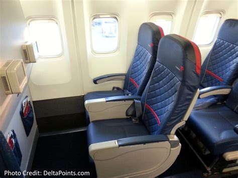 delta economy comfort review delta 767 300 domestic comfort plus seat 2 delta points