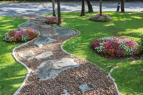 imagenes de jardines hechos con piedras ideas para dise 241 ar un jard 237 n con piedras