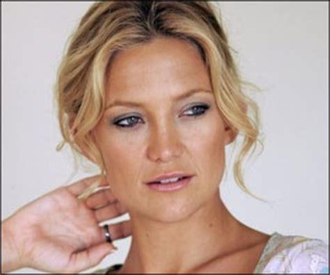 kate hudson smoking cigarettes kate hudson quits smoking gains weight cigarettes flavours
