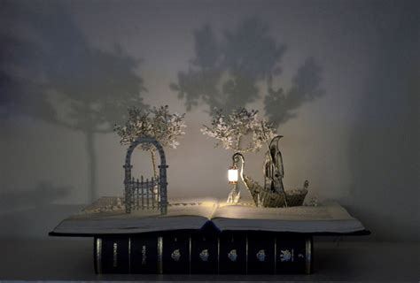 libro la puerta de caronte 25 hermosos ejemplares de esculturas hechas en libros