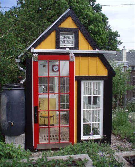 House Made Of Doors 10 Diy Gew 228 Chsh 228 User Aus Alten Fenstern Und T 252 Ren