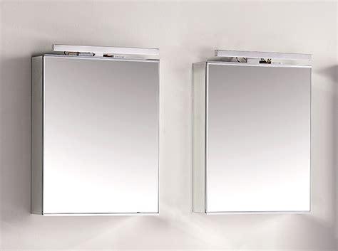 spiegelschrank 2 steckdosen spiegelschrank mit beleuchtung und steckdosen grau