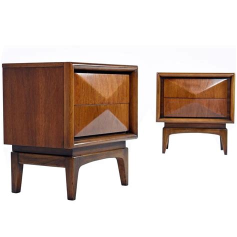 1960s Bedroom Furniture Vintage Pair Of United Furniture Nightstands 1960s At 1stdibs