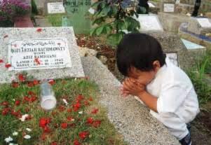 tak berbatas pada umur orang tua mendekatlah pada islam lebih dekat lagi