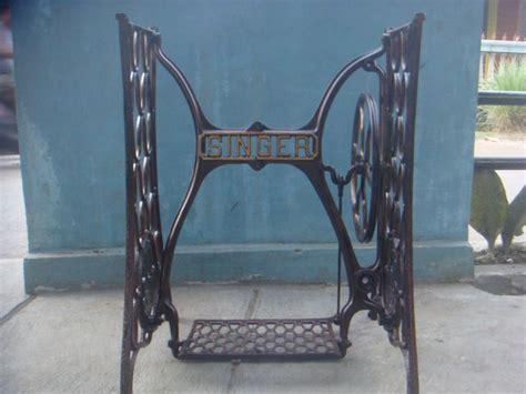 Mesin Jahit Singer Kaki kaki mesin jahit singer tua tak depan spesifikasi merk singer bahan besi tua kondisi