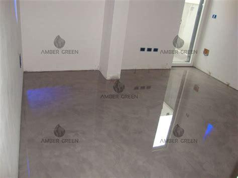 pavimento soggiorno pavimento in resina con effetto spatolato soggiorno
