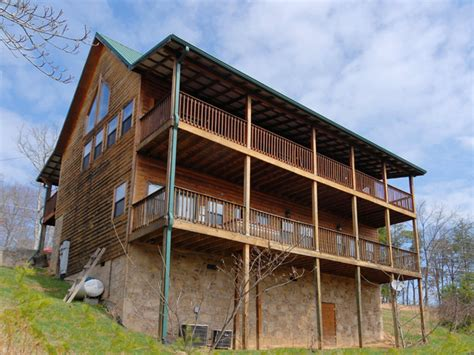 Fireside Cabins Pigeon Forge by Fireside Chalet And Cabin Rentals Pigeon Forge Tennessee Chalets With Tubs Whirlpools