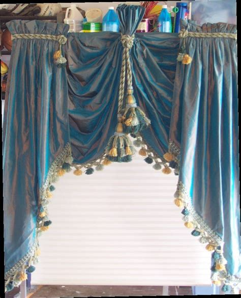 Swags And Cascades Curtains Silk Lifted Swags And Cascades Curtains Valances Pinterest