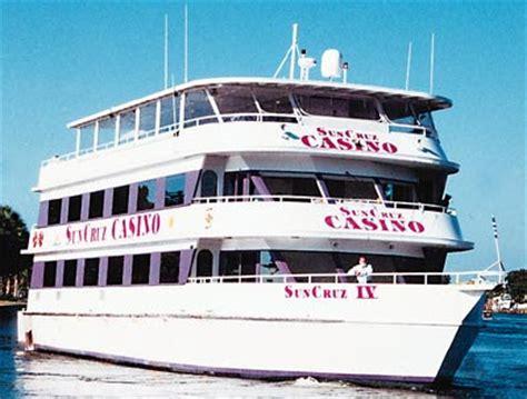 offshore gambling boats florida google images