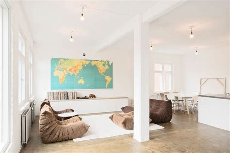 large wall map interior design ideas