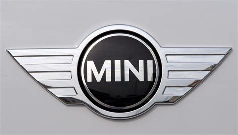 logo mini cooper mini cooper logo mini car symbol meaning and history