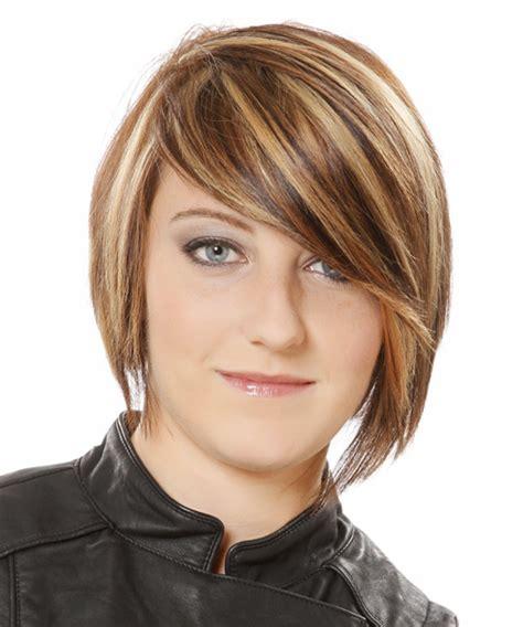 short straight casual hairstyle medium brunette caramel side short straight casual hairstyle medium brunette caramel