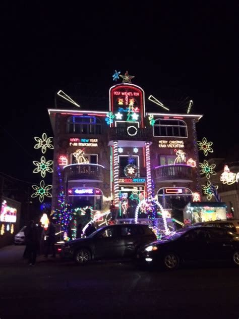 Dyker Heights Christmas Lights She Is Going Places Dyker Heights Lights Tour 2014