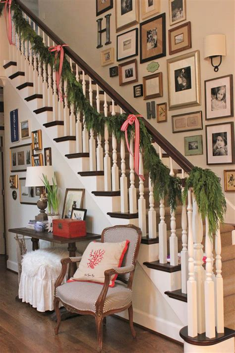 Ideas To Decorate Staircase Wall Stairway Wall Ideas
