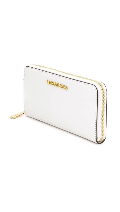 Michael Kors Travel Wallet 7 lyst michael michael kors jet set travel za continental wallet optic white in white