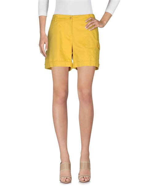 P A R O S H Bermuda lyst p a r o s h bermuda shorts in yellow