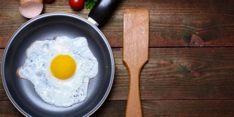 membuat anak tumbuh tinggi konsumsi telur tiap hari bisa membuat tinggi badan naik