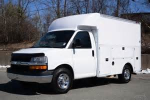 04 chevrolet express cutaway enclosed utility 6 0l
