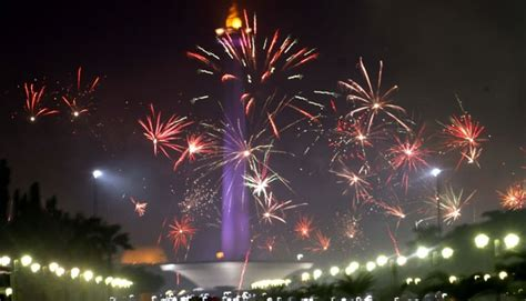 new year jakarta 2015 new year celebrations leave 50 tons garbage in jakarta