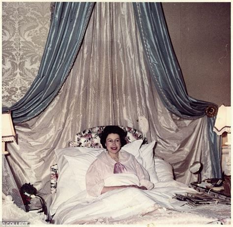 queen elizabeth bedroom the queen stories from the 60s from annointing prince