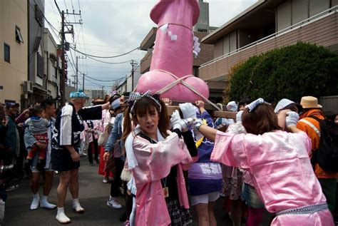 the annual kanamara festival in kawasaki photos and images kanamara matsuri festival kawasaki must see places