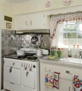 Antique Kitchen Decorating Ideas by Best 1031 The Vintage Kitchen Images On Pinterest Home Decor