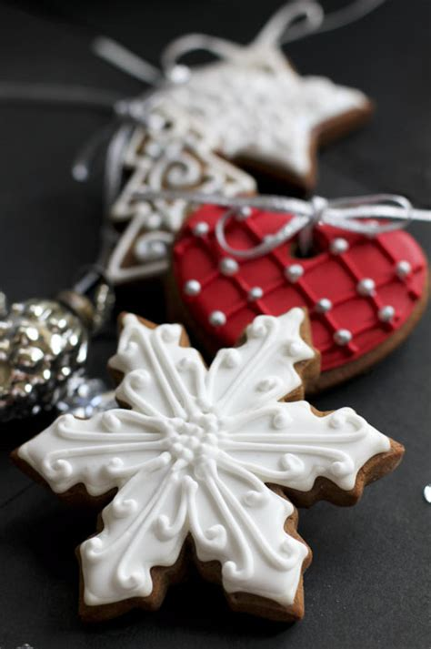 christmas juliet stallwood cakes biscuits