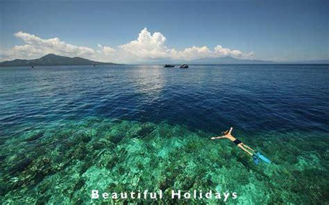 sulawesi bunaken island snorlel indonesia picture