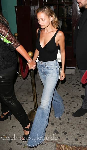 nicole richie wearing jeans nicole richie on celebrity style guide