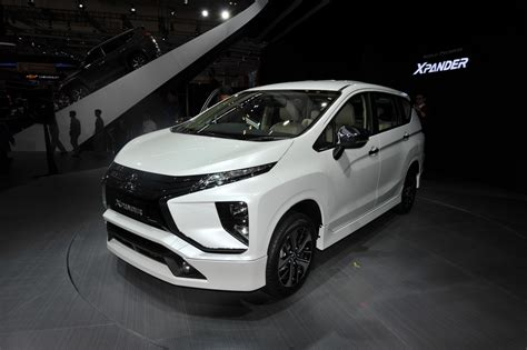 mitsubishi expander giias mitsubishi xpander expander with beige interior spotted