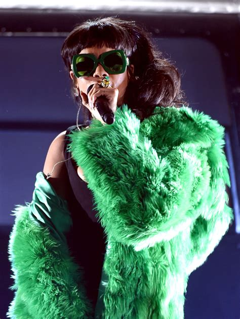 Rihanna Best Seller Premium it s official rihanna is the best selling digital artist of all time buro 24 7