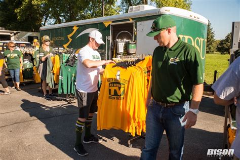 Football Tailgate Show School Pride Your Bison Football Tailgating Checklist Bison Illustrated