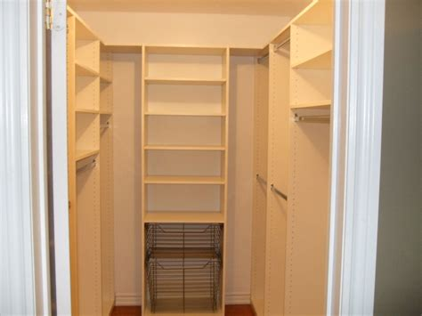 building a walk in closet in a small bedroom building a walk in closet small bedroom simple design