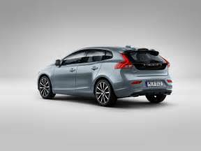 Volvo Vehicles Volvo V40 T4 Momentum Studio 3 4 Rear Volvo Car