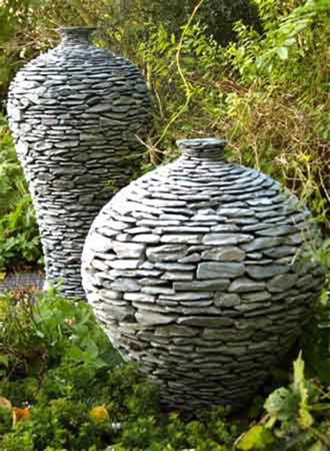 gartenanlagen mit steinen ivel stoneware designs garden pots and water