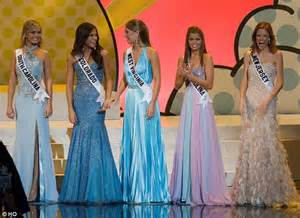 Manicure Contest In Beaty Asia 2007 Show by Miss Usa S Caitlin Upton Wanted To Commit