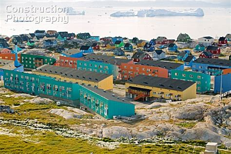 houses in greenland a178 00277 colourful houses in illulisat on greenland construction photography