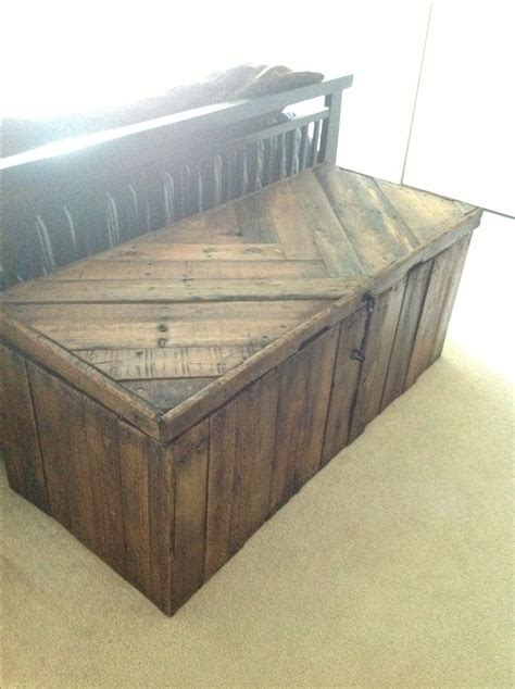 decke yakwolle how to build a rustic blanket chest woodworking projects