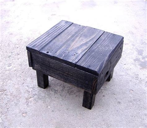 Handmade Footstools - diy pallet foot stool 101 pallets