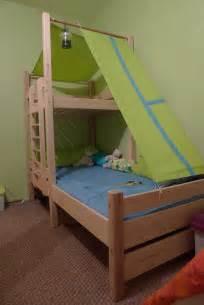 travail du bois construction d un lit cabane