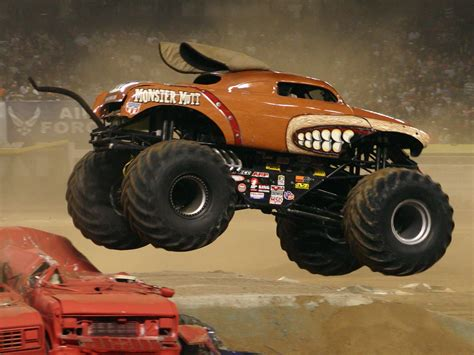video de monster truck im 225 genes de monster truck cami 243 n monstruo lista de carros