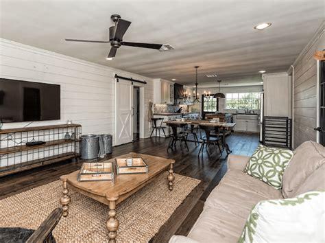 Rent  Fixer Upper Bardominium
