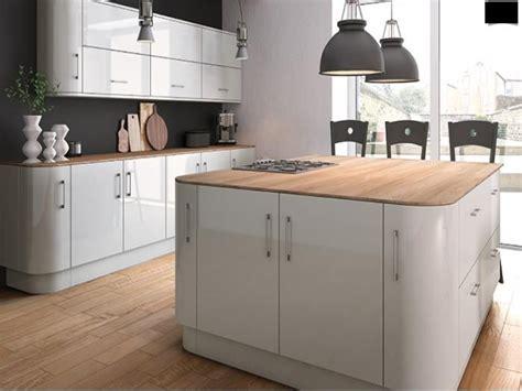 High Gloss Grey Kitchen Cabinets 25 Best Ideas About Grey Gloss Kitchen On Pinterest Gloss Kitchen High Gloss Kitchen