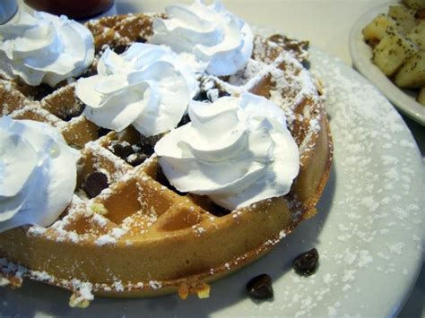 loud stomach noises won t eat 13 amazing places to eat brunch in new york